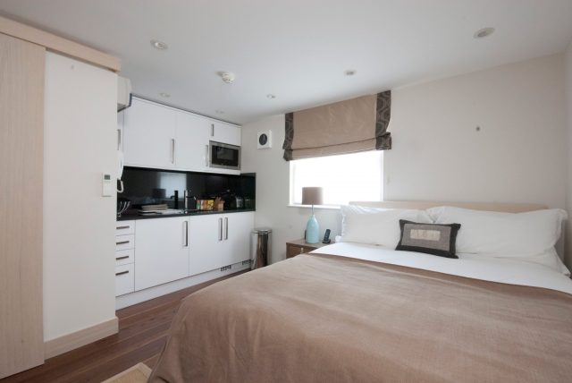 Maykenbel Apartments Claverley Court Studio Double Room