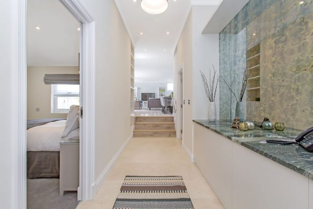 Maykenbel Apartments Chesham Court 3 Bedroom Suite