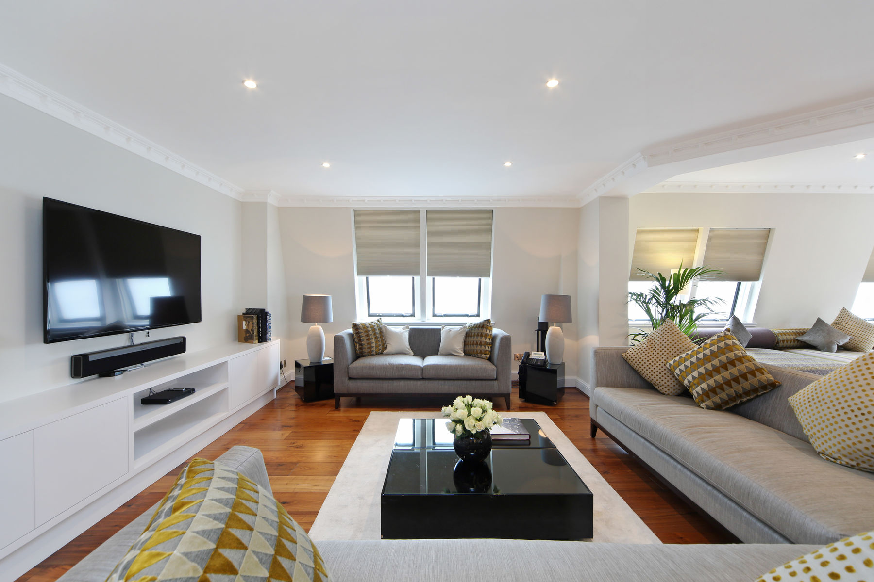 Mayfair House Presidential Suite - Maykenbel Properties